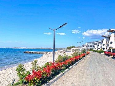 Кротирия Бийч, апартхотел в Поморие на метри от морския бряг